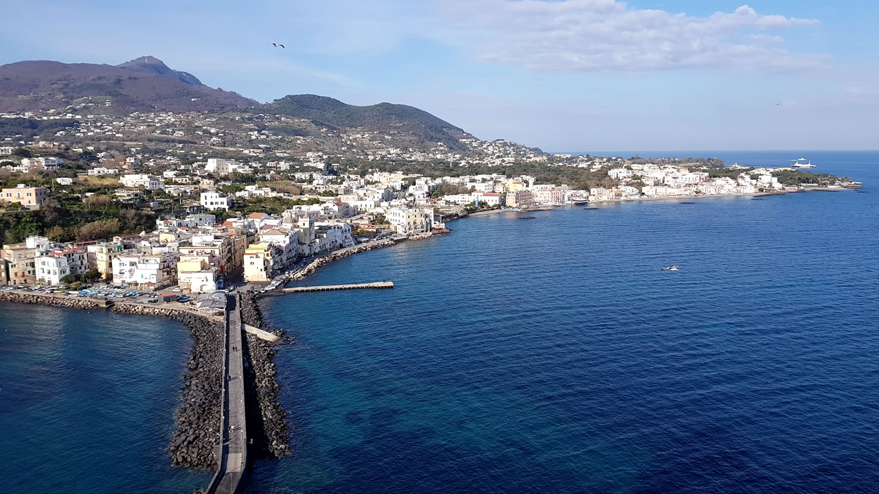 bed-and-breakfast-close-to-ischia-island-01